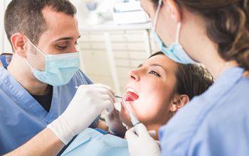 Consulta de odontología y limpieza de boca