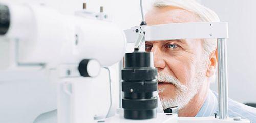 Operación de cataratas con lente trifocal (2 ojos)